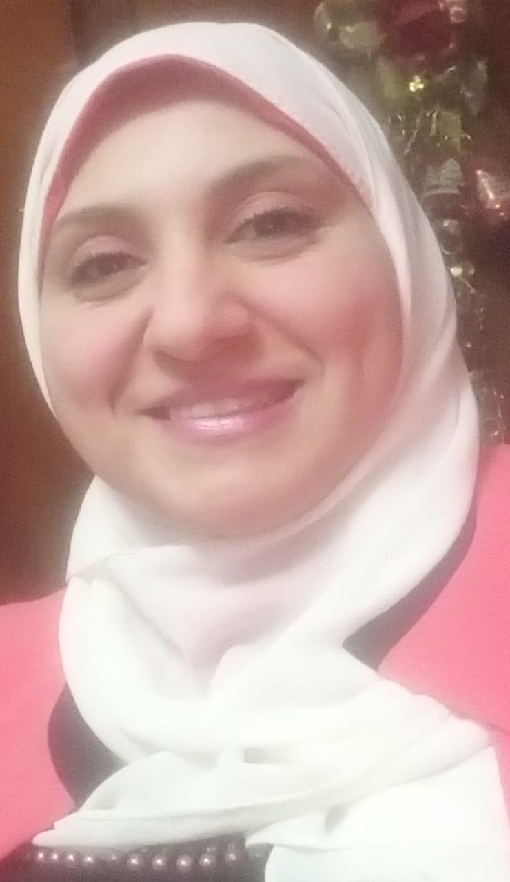 سميرة عبد المنعم
